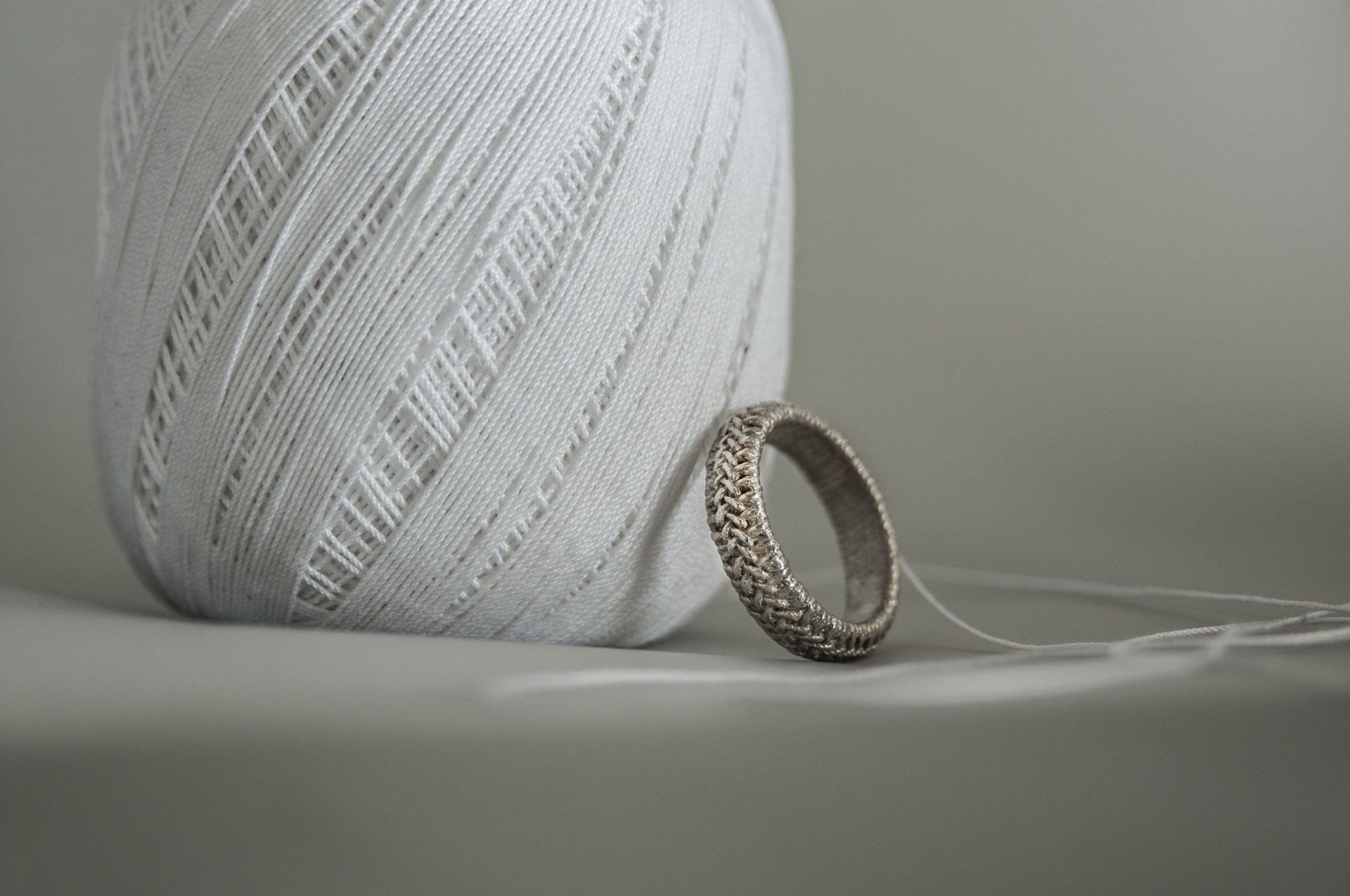 knitted zopfring in silber cotton rings fastgefaehrlich com web plait silver ring portfolio en